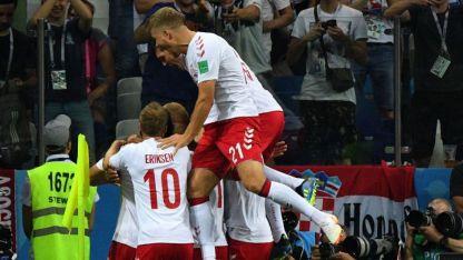Mathias Jorgensen festeja el gol más rápido del Mundial de Rusia.