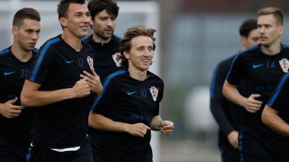 Lucas Modric es candidato al balón de oro.