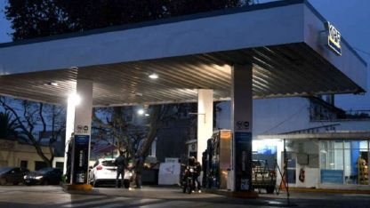 La YPF de Arizu y Beltrán de Godoy Cruz fue asaltada a las ocho de la noche.
