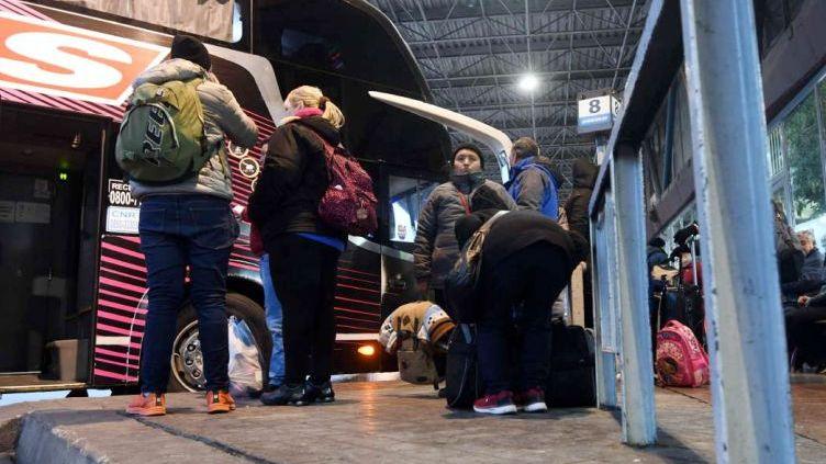 El Gobierno eliminó la tarifa mínima para viajes en micros de larga distancia