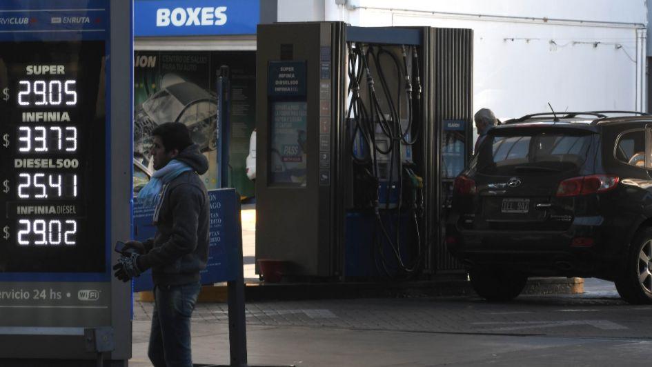 YPF aplicó un aumento del 1 por ciento — Combustibles en suba