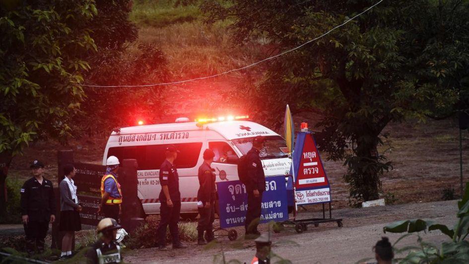 Rescataron a cuatro niños de la cueva de Tailandia, los demás deberán esperar