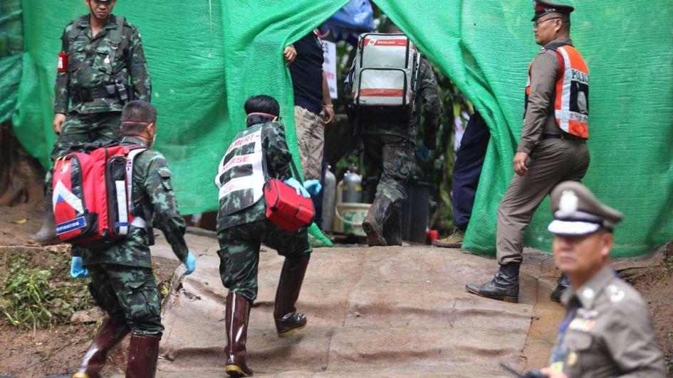 Qué les dieron a los niños de la cueva de Tailandia para que salieran sin saber nadar