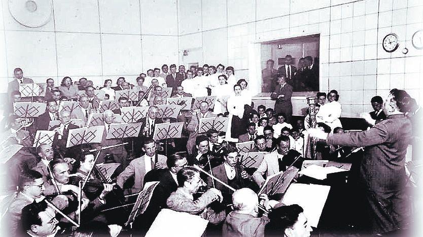 Aquellos músicos  de la Sinfónica de la UNCuyo, de 1948  - Por Ana María  Olivencia