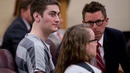 Travis Lee Mitchell (22) y Sarah Mitchell (25) fueron condenados a prisión por la muerte de su hija.