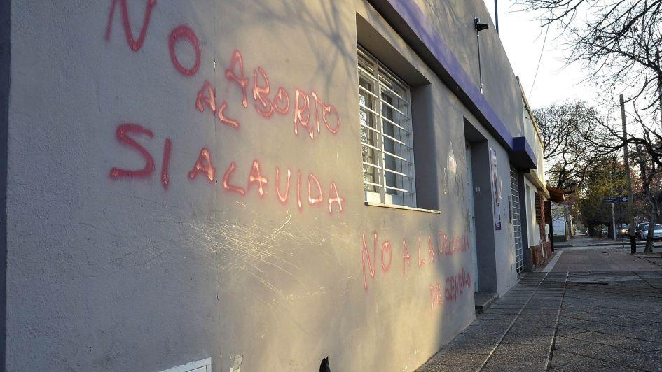 Recrudecen agresiones entre militantes pro y anti aborto