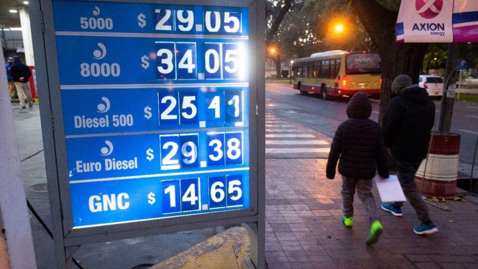 Axion aumentó un 2% las naftas