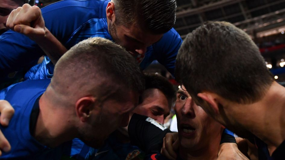 La locura desde adentro: las imágenes del fotógrafo arrollado por los croatas
