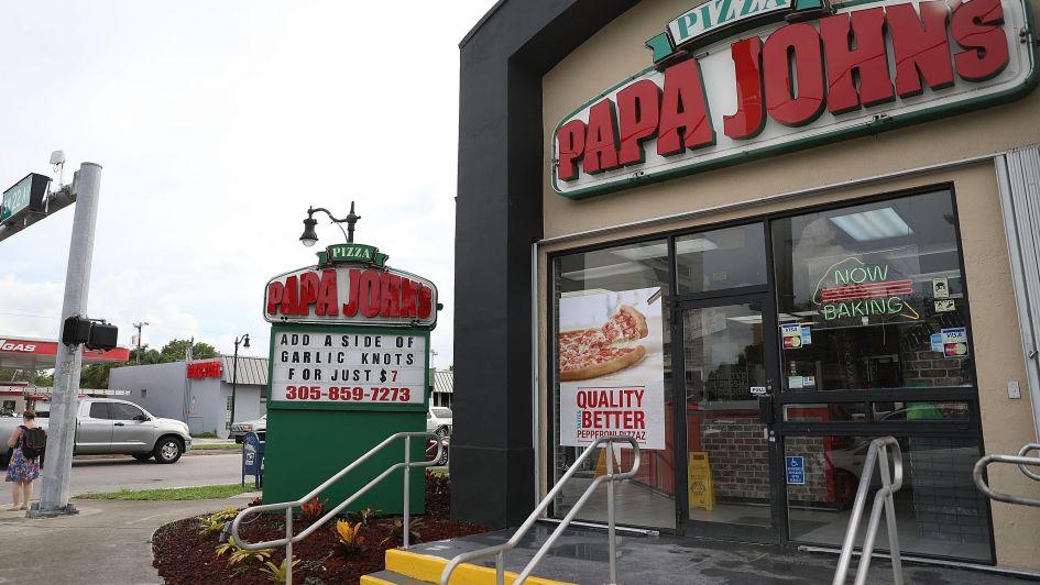 El fundador de una famosa pizzería de EEUU tuvo que renunciar tras un insulto racista