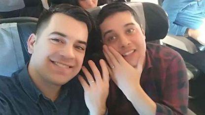 Viajaban a Salta y le propuso casamiento en pleno vuelo
