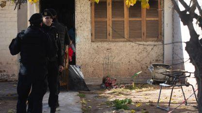 En Las Heras, dos nenes escaparon de una casa en llamas por problemas de calefacción.