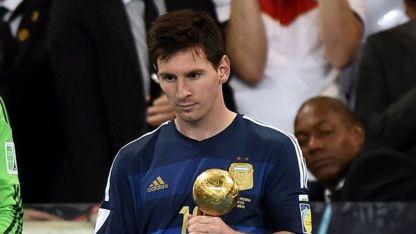 El premio más triste: Messi fue elegido el mejor jugador del Mundial de Brasil 2014.