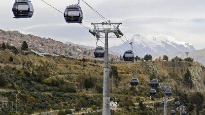 """La empresa """"Mi Teleférico"""" inauguró el fin de semana la nueva línea celeste que llega hasta el centro de la capital boliviana."""