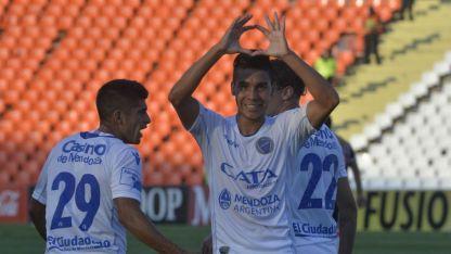 Fernández está muy cerca de jugar en México.
