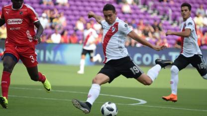 Santos Borré tiene su chance desde el arranque.