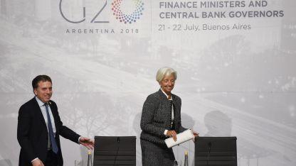 La directora del Fondo con el ministro Dujovne en la cumbre de ministros de finanzas del G20.