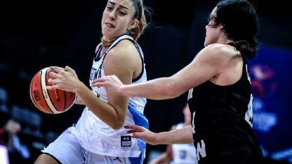 Victoria Gauna aportó 7 puntos en 28 minutos de juego.
