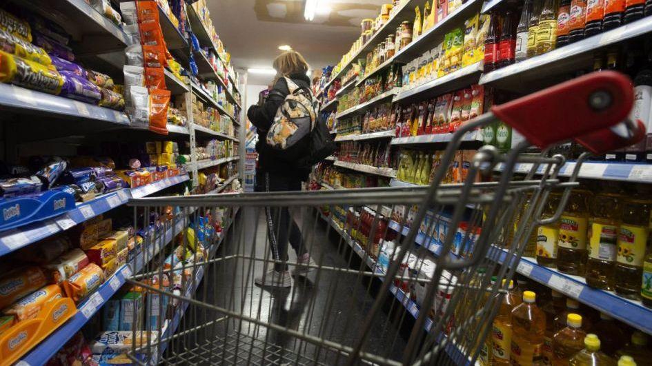 Harina y aceite lideran los aumentos en las compras desde mayo
