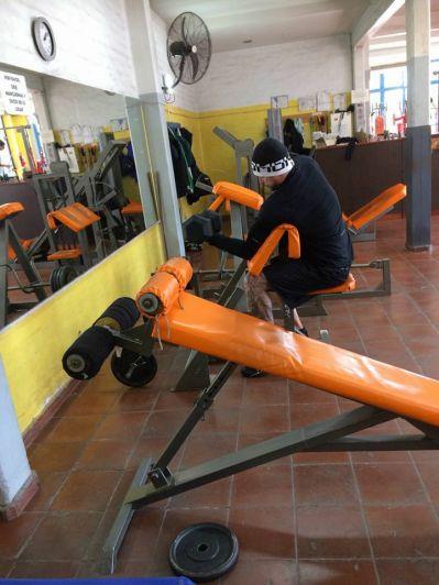 Sorpresa en el Unimev: Luciano Castro entrenó en un conocido gimnasio del barrio
