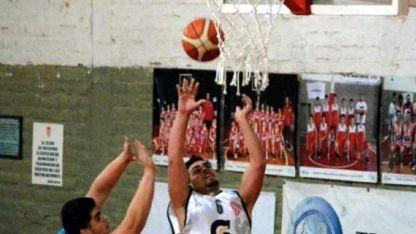 Atlético Club San Martín superó sin inconvenientes a la Municipalidad de San Carlos.