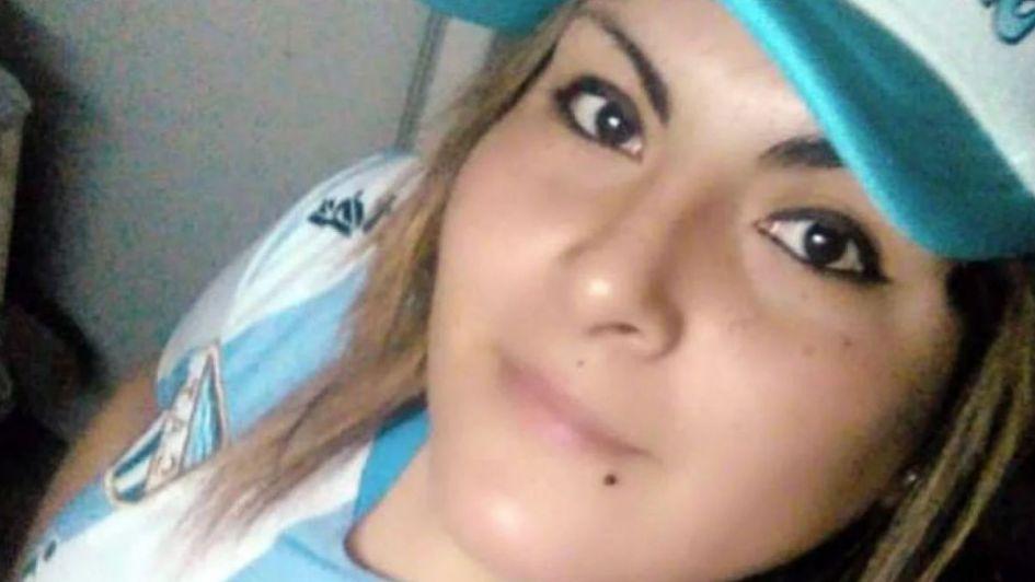 Bajó del micro cuando volvía de trabajar y la asesinaron a golpes para robarle el celular