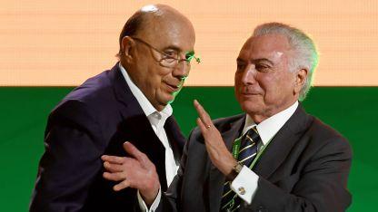 Henrique Meirelles junto a Michel Temer.