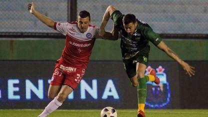 El ex Independiente Riovadavia, Mauro Maidana, fue titular.