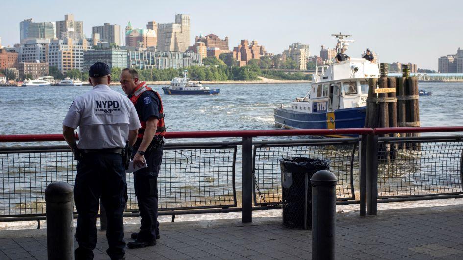 Horror en EEUU: encontraron el cuerpo de un bebé flotando cerca del puente de Brooklyn