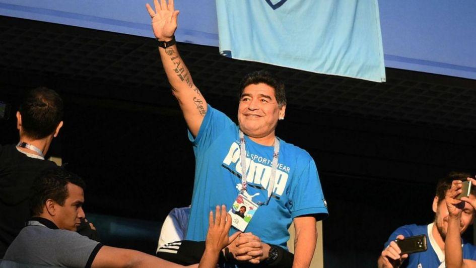 Ni Almeyda ni nadie; Maradona se postula para la Selección Argentina