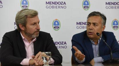 Frigerio y Cornejo explicaron el proyecto en el salón Patricias de la Casa de Gobierno.