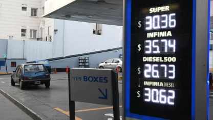 La nafta súper vele en torno a $ 30,36 y en $ 35,74 para la Premium en YPF  tomando en promedio el Gran Mendoza