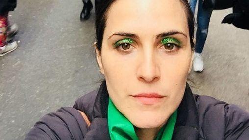 Julieta Díaz usó un irónico pañuelo celeste para pronunciarse a favor del aborto