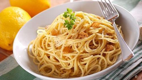 """Fusión deliciosa e innovadora: """"Espaguetis al limón"""""""