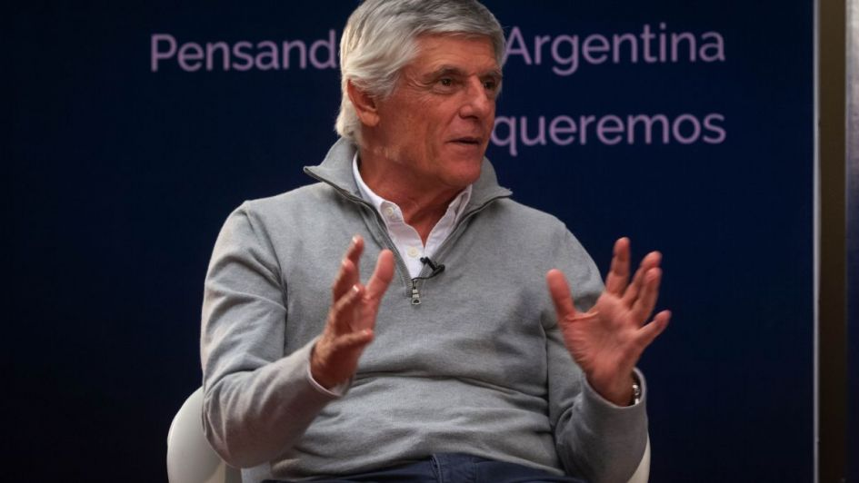 ¿Qué modelo político exitoso cree que debería trasplantarse a la Argentina?