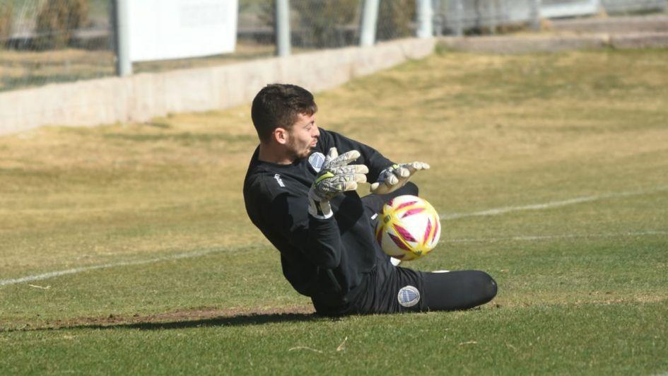 Dabove no tiene dudas y confirmó el equipo para el debut ante Estudiantes