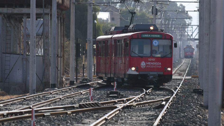 """El Gobierno dice que hubo un """"desfalco"""" en la compra fallida del Metrotranvía"""