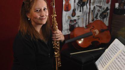 La compositora se pone al frente de sus propias composiciones junto a la Orquesta Académica de Mendoza.