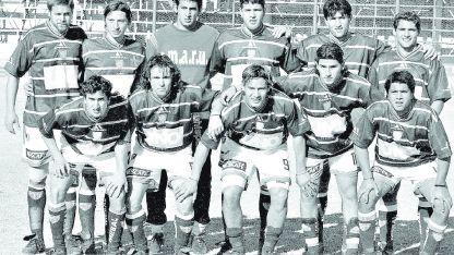 Parados: Dobrik, Páez, Torrico, Berza, Marinilli y Torresi. Agachados: De la Vega, Canedo, Maxi Benítez, Cabrera y Raúl Romero.