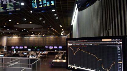 Las acciones de Wall Street y el Merval caen por las consecuencias de la corrupción.