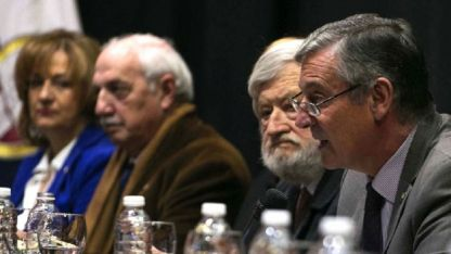 """Ayer, la UNCuyo celebró sus 79 años. Pizzi (derecha) pidió """"trabajar por el engrandecimiento"""" de la institución."""