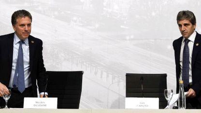 El ministro de Economía Dujovne y el presidente del Central Caputo.