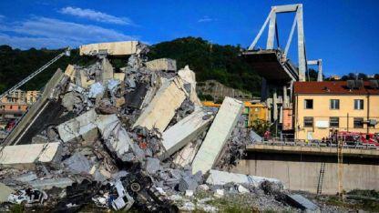 Miles de toneladas de hormigón y hierro cayeron al vacío en medio de una zona muy poblada.