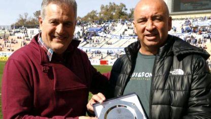El domingo pasado recibió de parte de la dirigencia de Godoy Cruz un reconocimiento por su trayectoria.