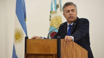 El gobernador Alfredo Cornejo respaldó la medida aplicada por Capital.