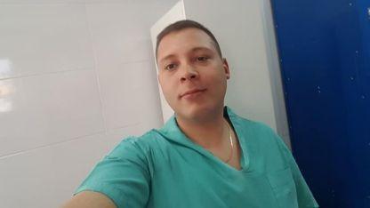 El cuerpo del joven fue hallado dentro de su camioneta por agentes de la Policía de la Ciudad de Buenos Aires.