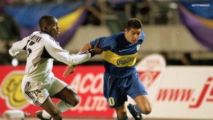 Riquelme tuvo una gran noche y Geremi fue uno de los que lo sufrió.