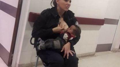 La oficial Celeste Ayala amamantó a un bebé internado en un hospital de La Plata y la imagen se volvió viral.