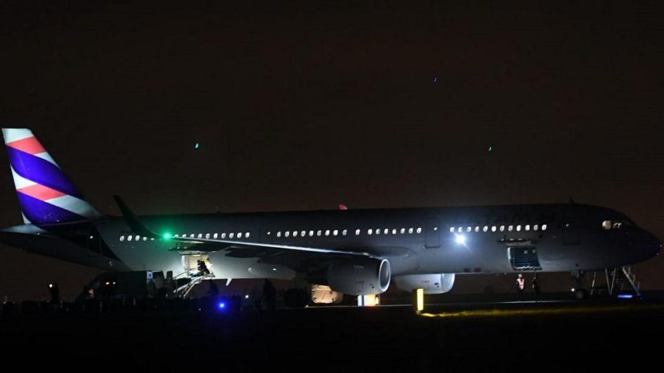Cerraron el aeropuerto El Plumerillo porque un avión aterrizó con una amenaza de bomba