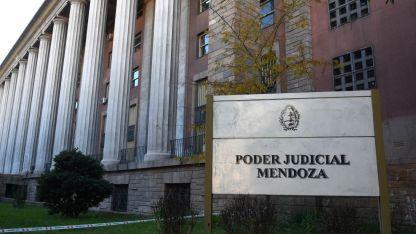La cúpula judicial es la que tiene los mejores sueldos del Estado.