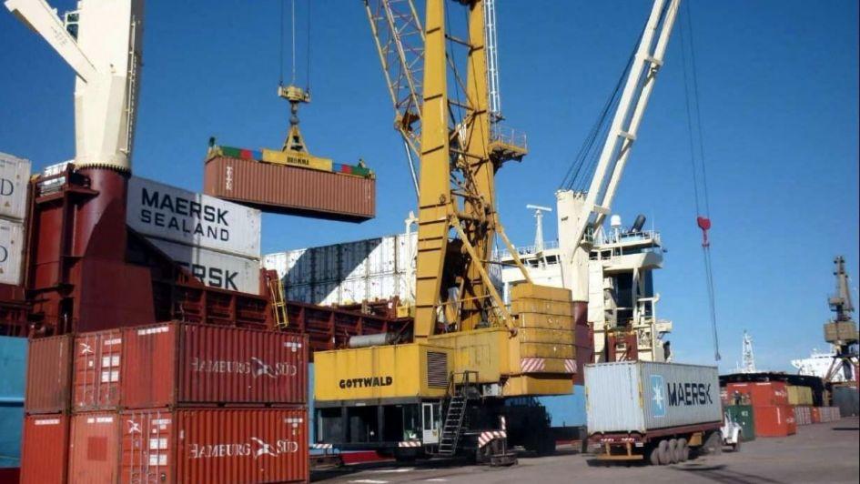 El déficit de la balanza comercial se mantuvo por 19 meses consecutivos
